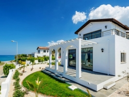 BEAUTIFUL SEA VIEW VILLA IN BAHCELI